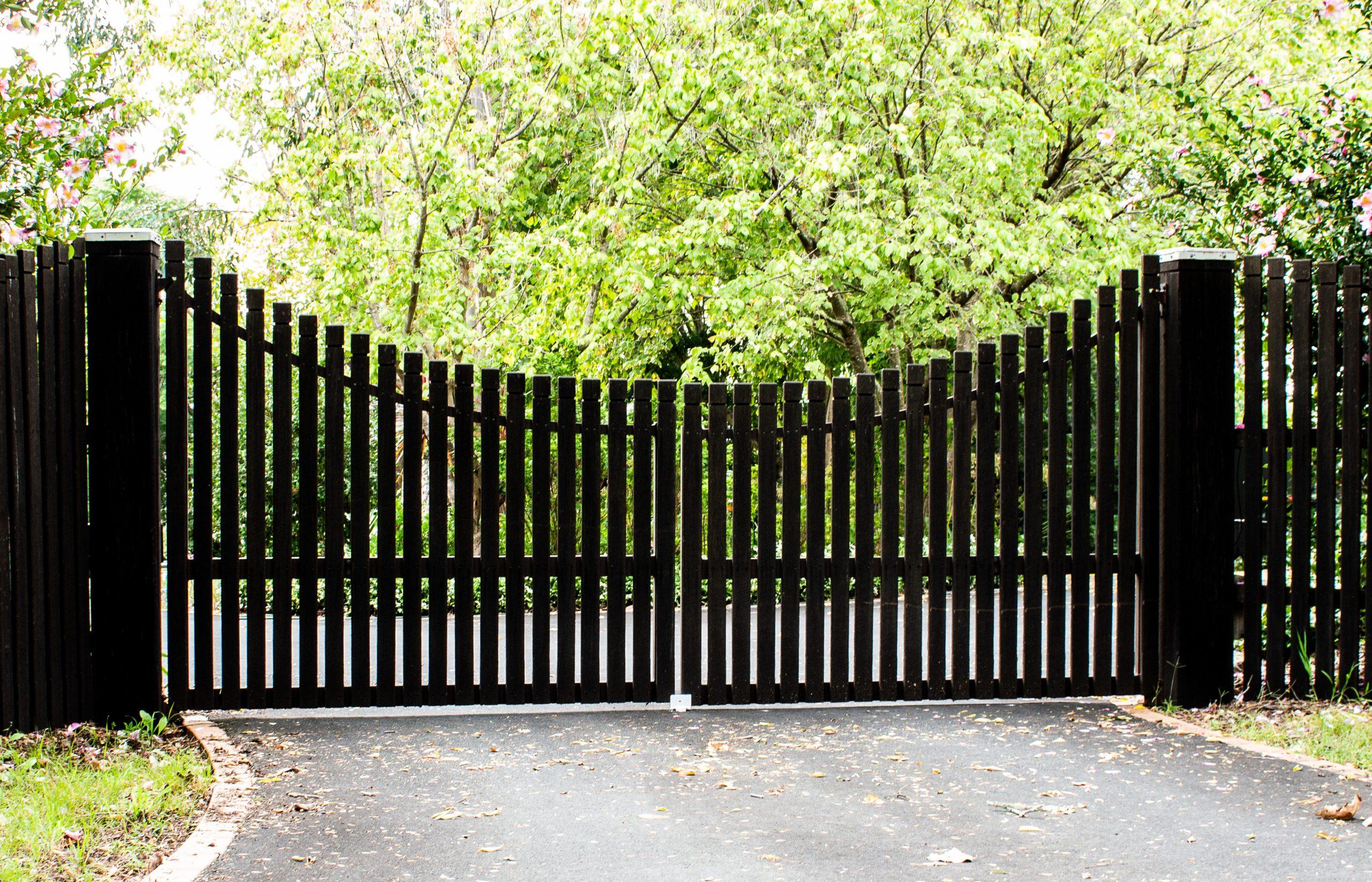 little rock arkansas professional gate installer installation install build builder north little rock fence contractor fences fencing gates